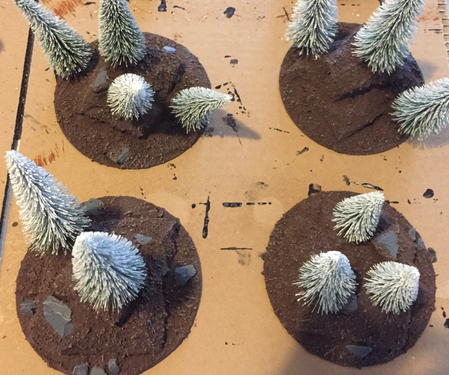 how to build a winter-forest for wargaming dry brushing the whole piece